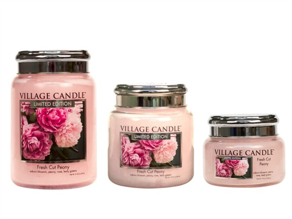 Candela profumata Village Candle®, Fresh cut peony