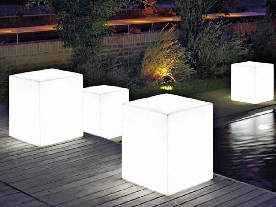Lampada da esterno ad energia solare vendita online