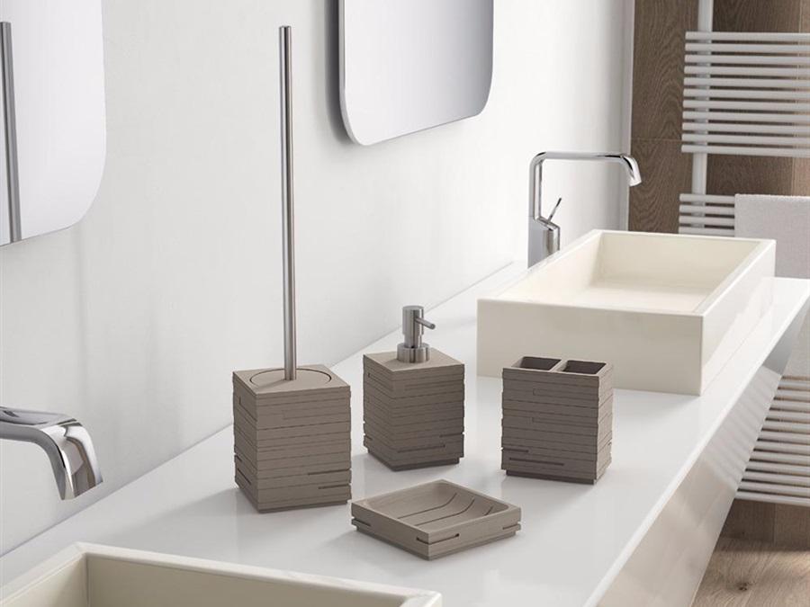 Scopino Da Bagno Design : Gedy spa porta scopino wc d appoggio con ciuffo in setole gedy